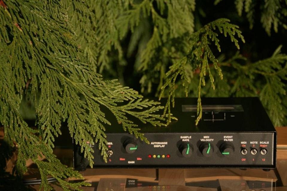 U1 device with red cedar -resized 1